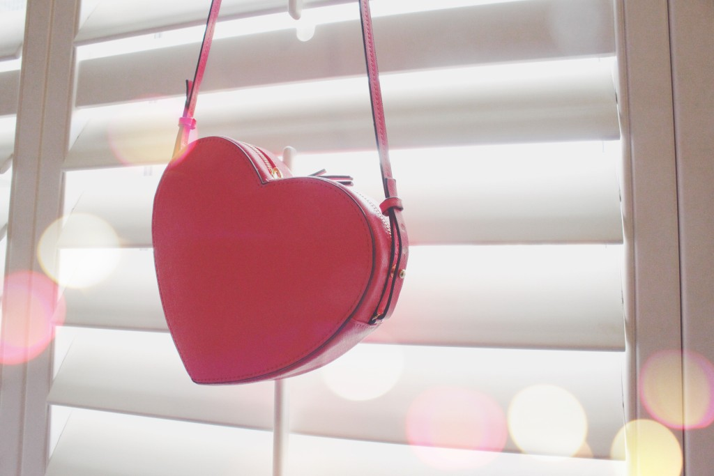 Chapters heart-shaped purse